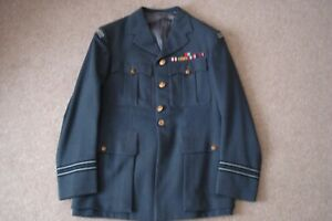 Post War RAF Regiment officer Uniform tunic with WW2 Medal Ribbons 40 chest FtLt