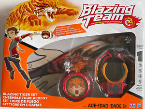 NIB Yo-Yo Blazing Team Masters of Yo Kwon Do Blazing Tiger Hero Battle Set