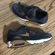 A992G Nike Air Max 90 Premium Thunder Blue 700155-404 Mens Sneaker Size 8 NEW