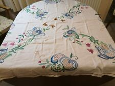 VINTAGE WHITE linen crewel flower embroidered TABLECLOTH 125cm 128cm