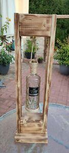 Stehlampe aus Holz gebrannt mit einer Three Sixty Flasche Inklusive LED Batterie