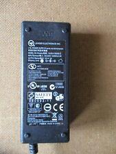 Adaptateur Secteur Chargeur Alimentation 15 DC  2000mA NU30-4150200-12 /S8