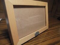 """Vtg Friendship Photo Frame Natural Wood-Look Resin Holds 3.5""""x5.5"""" Picture   103"""