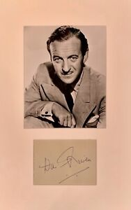 DAVID NIVEN  FILM STAR & AUTHOR SIGNED GENUINE AUTOGRAPH DISPLAY WITH COA