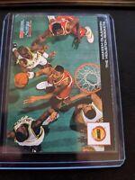 1993-94 NBA Hoops Basketball Scoops #HS10 Hakeem Olajuwon