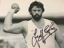 GEOFF CAPES - OLYMPIC TRACK & FIELD ATHLETE - EXCELLENT SIGNED B/W PHOTOGRAPH