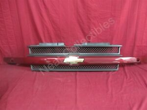 NOS Chevrolet Trailblazer Radiator Grille 2004 Medium Red Metallic WITH Washers