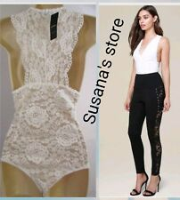 NWT bebe Lace Deep V-Neck Bodysuit SIZE XL Party-ready bodysuit in a chic floral