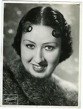 STUDIO HARCOURT portrait de Marguerite JOYE de l'Opéra comique