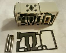 """Parker Isys Plug In Valve Manifold PS561151MP 15407-2 18mm HB 1/8"""" NPT End Ports"""