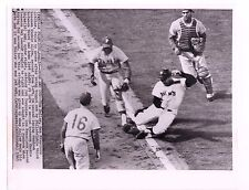 8/14/65 RICHIE ALLEN BASEBALL WIRE SERVICE PHOTO PHILA. PHILLIES VS S.F. GIANTS