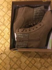 SO   ladies SOBACKPACKSAND  boots size 8- New