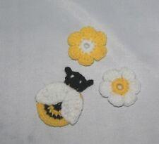 Abeja de ganchillo hecho a mano y 2 Flores Apliques/Motif/Adorno/Scrapbooking