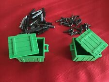 2 PLAYMOBIL GREEN CHESTS WITH LIDS PLUS KNIVES AND REVOLVERS