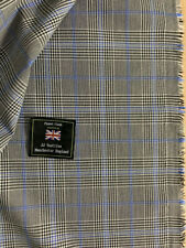 3.5 Metres Grey Checked Viscose Blend Fashion Suit Fabric. (340g)