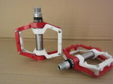 SCUDGOOD Pedals MTB Mountain Road XC AM Bike 3 Bearings flat Pedal White Red