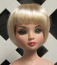 """Monique Gold Doll Wig """"Bubbles"""" Size 4/5 - Honey Blonde"""