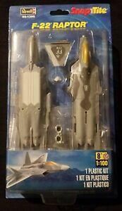 Revell F-22 Raptor Snap-Tite 85-1390 Model Kit 1:100