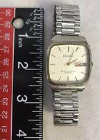 Armitron Mens 20/2122-3 Quartz Day/Date Wrist Watch Stretchable Link Bracelet