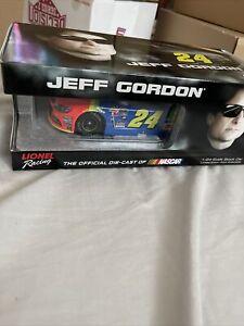 Jeff Gordon #24 Axalta Rainbow 2015 1:24 Action NASCAR Lionel Ltd Ed