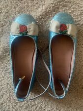gucci girl shoes Size 30