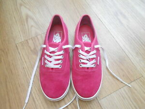 VANS OFF THE WALL   SUEDE  TRAINERS  SIZE UK 3