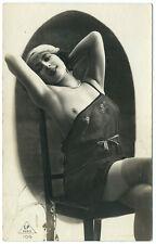 Photo carte cpa femme lascive 1930 curiosa pin-up Art deco / bas / L.P Paris