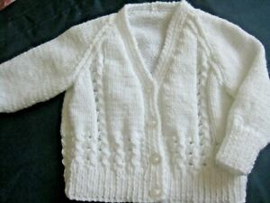 """HAND KNITTED BABY CARDIGAN IN WHITE TO FIT 0-3 MONTHS 18"""" Chest"""