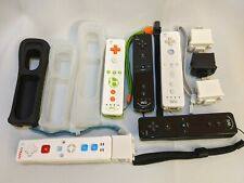Nintendo Wii Controllers (covers included) + Accessories !