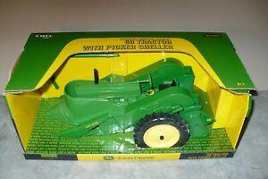1/16  60 JOHN DEERE Toy Tractor with Picker Sheller Ertl NIB