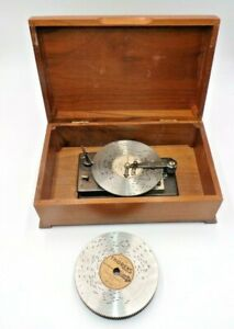 """VINTAGE THORENS AD30 WIND UP WALNUT WOOD MUSIC BOX 10 DISC INCLUDED 10"""" X 6"""""""
