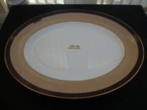 WEDGWOOD EQUESTRIA SMALL MEAT PLATTER 36CM