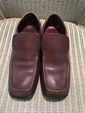 Men's Hush Puppies Size 8 Brown Used .