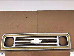 VINTAGE 1971-1977 Chevy Truck C Series grille Plastic Painted OEM 2001141 oem