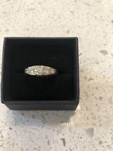 Ladies 18ct  Yellow Gold Diamond Ring