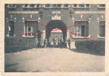 Nr 17262 Foto 2. Weltkrieg An der Kaserne  in Maria Leiden Holland 1940