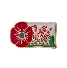 RED POPPY LAPEL PIN BADGE WITH WELSH DRAGON FLAG Remembrance Day WALES 2020