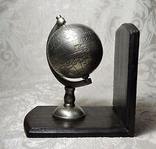 Mappamondo fermalibri, legno e metallo, c1990 Globe Book End