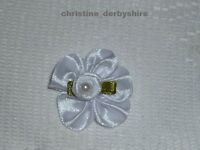 WHITE FLOWER MAGNETIC HAIR BOW ACCESSORY 4 REBORN/BABY