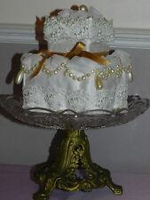 Coussin, porte alliances, style wedding cake, satin, dentelle Valencienne,