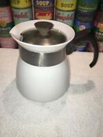 Vintage CORNING WARE 7 CUP WHITE TEA POT WITH LID K-TP-7