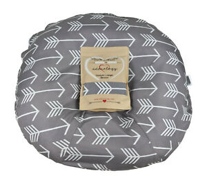 Newborn Infant Lounger Slipcover Water Resistant in Gray White Arrows Adorology