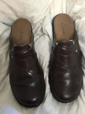 cf5b7195e0924 Clarks Size 10 Dark Brown Leather Clogs Slip On Mules Womens Shoes