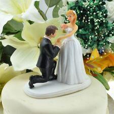 Groom en doblado la rodilla Cake Topper-novia y el novio Wedding Cake Topper