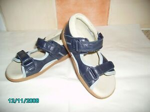 Clarks Infant boys Navy leather closed heel sandals,size 5.5,New,Marine cuir