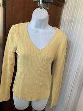 GAP Maternity Sweater YELLOW cable knit v-neck  Medium M.       #117/EC
