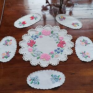 Vintage Set of Seven Linen Embroidered Floral Eyelet Doilies 2 Large 5 Small