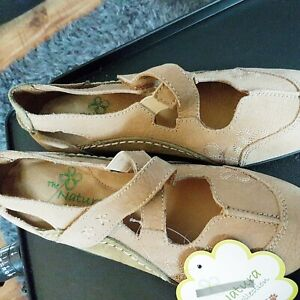 New Padders  ladies  sandals size 4