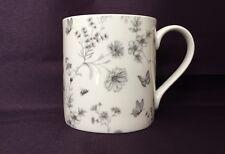 Bone China Floral Jardin Secret gris Chintz Motif Mug main décoré au Pays de Galles