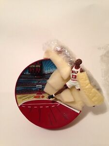 MICHAEL JORDAN COLLECTOR PLATE- BREAKING THE RECORDS